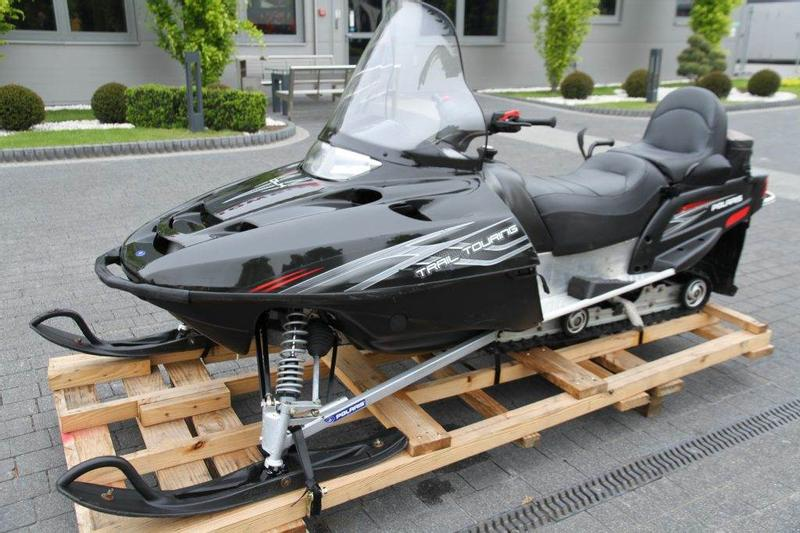 Polaris SNOWMOBILE TOURING TRAIL 5
