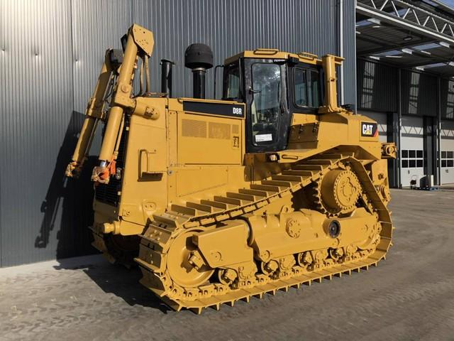 Caterpillar D8R W RIPPER