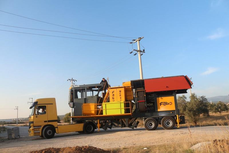 Fabo MJK SERIES 200 TPH MOBILE JAW CRUSHER PLANT