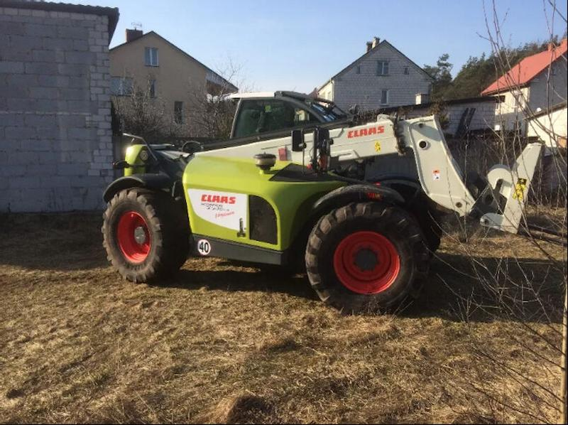 Claas 7045 scorpion